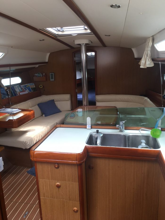 alquilar barco izabal barcelona
