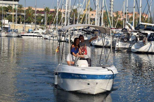alquilar un barco sin licencia