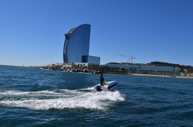 alquiler de barcos en barcelona sin licencia