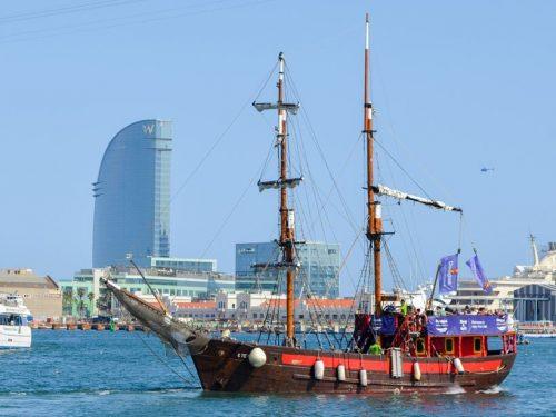 barco pirata port vell barcelona