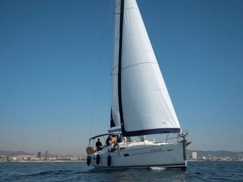 learn how to sail in barcelona
