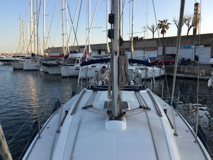 learn to sail in barcelona