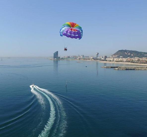 parasailing barcelona beach