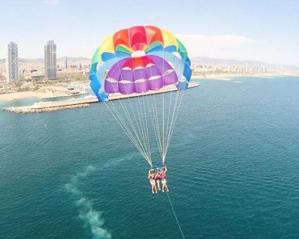 parasailing en barcelona